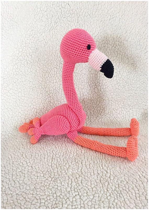 Muster von einer schönen Flamingo als Pdf-Datei, klar mit Fotos in Deutsch, Englisch und Hollands mit Bildern beschrieben. Das Flamingo ist, wenn es fertig ist und häkeln mit Phildar Baumwolle 3 und auf Nadel Nr. 2,5 mm, etwa 38 cm lang, wie Sie andere Garne und Nadel verwendet wird, die Größen variieren. Sehr schön und leicht zu Muster folgen Ausstattung: 60 gramm Rosa Baumwolle 40 gramm Orange Baumwolle 10 gramm schwarz Baumwolle 10 gramm weiche Rosa Baumwolle dieses Garn habe ich…