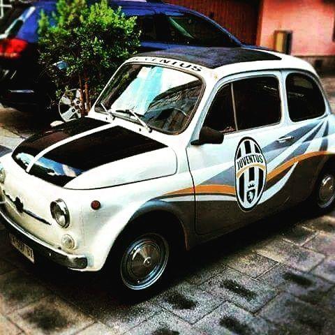 Le vecchie auto non affidabili come quelle moderne ma ci viaggiavi bene lo stesso.Comoda ed anche carina per la sua piccolezza e forma.Con la grafica della
