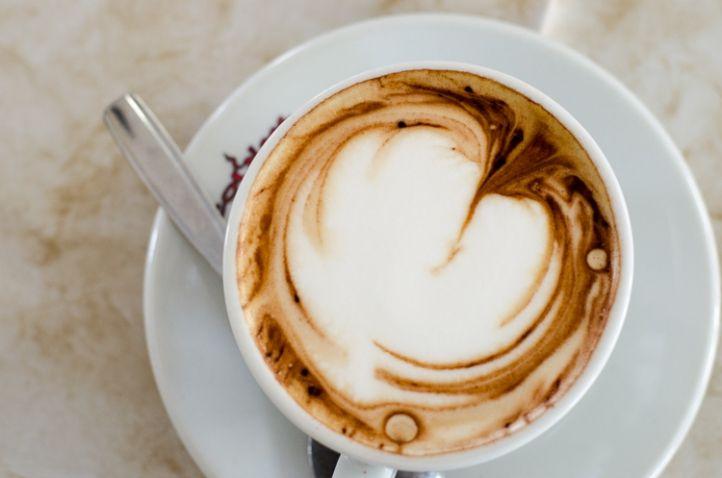 Ligurien, Cappuccino, Bar, Kaffee, Café, Kaffeehaus, Herz, Heart © Luisa Possi