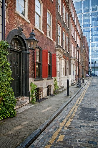 """Dennis Severs' house: 18 Folgate Street, Spitalfields, London. A time capsule of 18th and 19th century London life, once described by David Hockney as """"one of the world's greatest works of opera""""."""