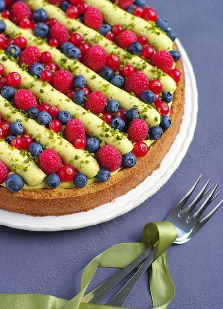 Tarte aux fruits rouges et pistaches avant une petite pause