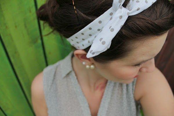 ett kreativt liv: Jag har sytt ett prickigt 50-tals hårband med ståltråd. # 50s 50's 50tal 50-talet 50-tal accesoar dots prickigt pyssel sömnad crafts