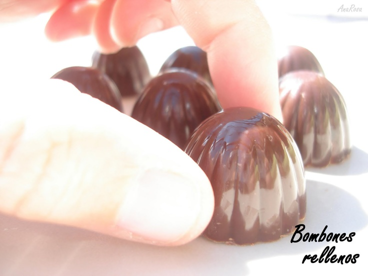 Bombones rellenos de crema de naranja  https://www.pinterest.com/marisolbad/flanes-mousse-puddings/