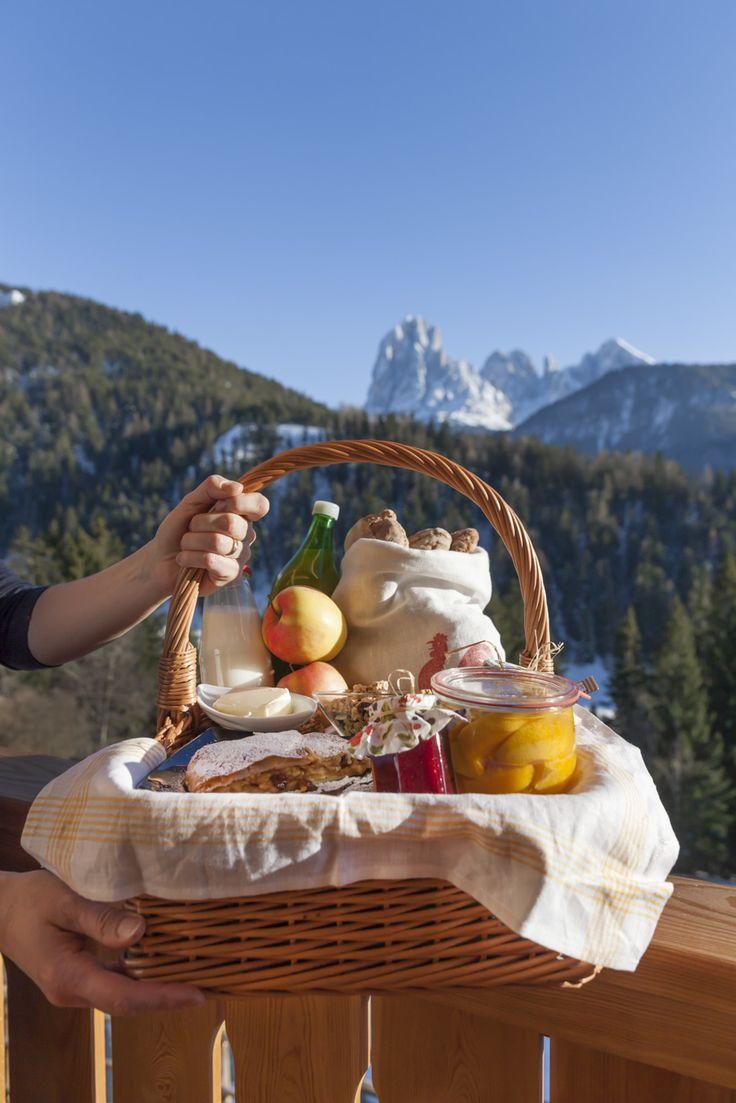 Winterlicher Frühstückskorb - Roter Hahn, Urlaub auf dem Bauernhof