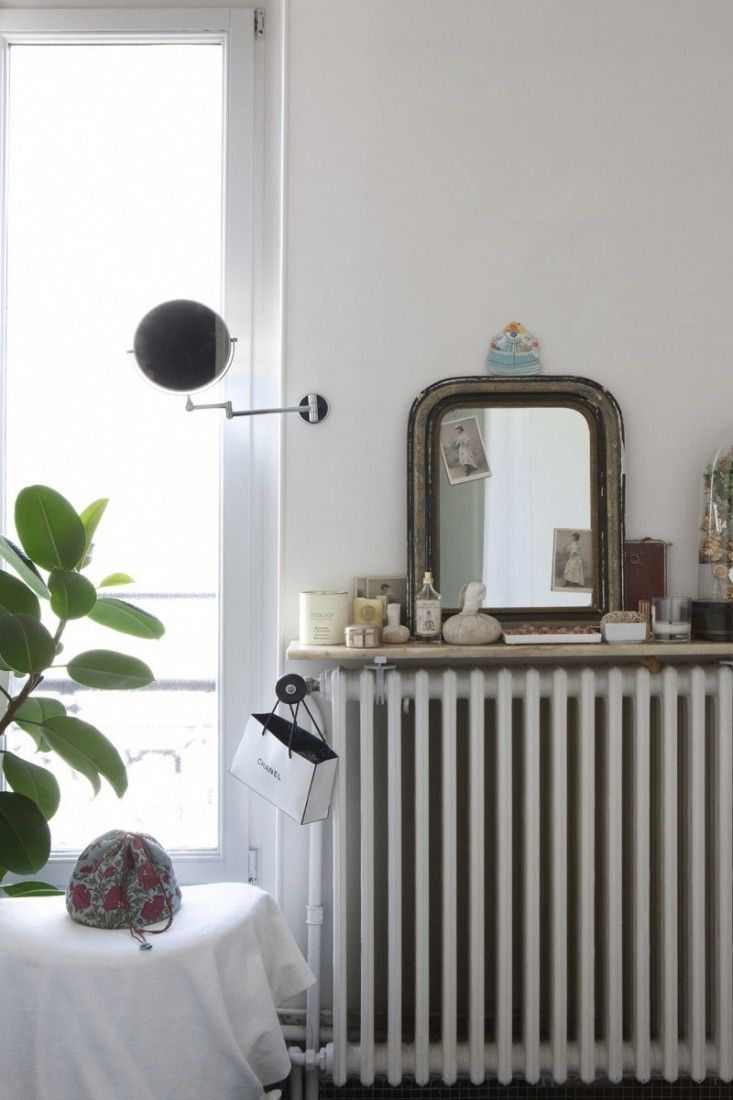 Beyond Airbnb: A house-swapping home exchange community for creatives and design lovers offers the opportunity to live like a local. Here's a flat in Paris that we're eyeing for our next holiday abroad.