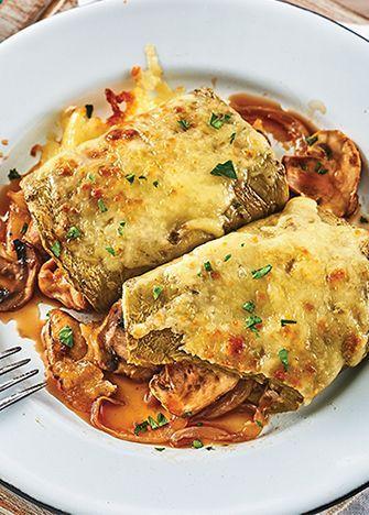 Receta de nopales rellenos de champiñones y queso manchego. Esta deliciosa receta de nopales es una completa delicia, a todos les va a fascinar.