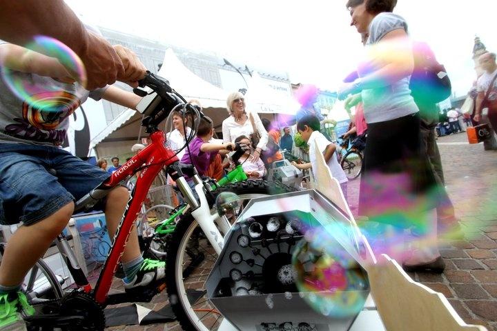 Giornata Mondiale dell'Ambiente a #Torino: la bubble bike