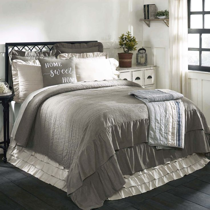 Ruffled Chambray Reversible Quilt Queen Farmhouse