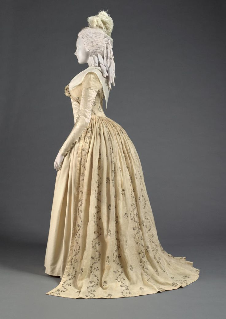 352 best Fashion 1700's images on Pinterest | 18th century ...