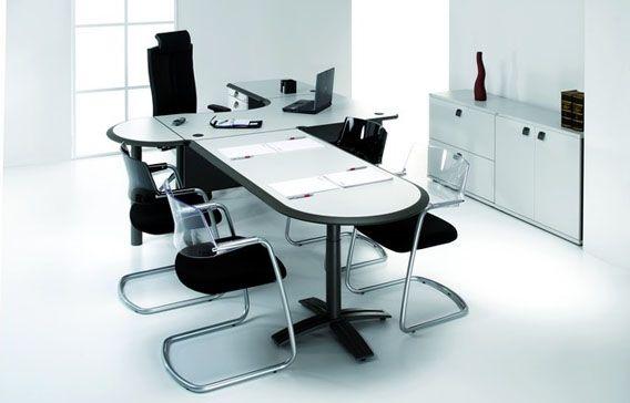 Kancelářský nábytek řady Eagle nabízí stabilní, elegantní a vzdušnou konstrukci stolů.