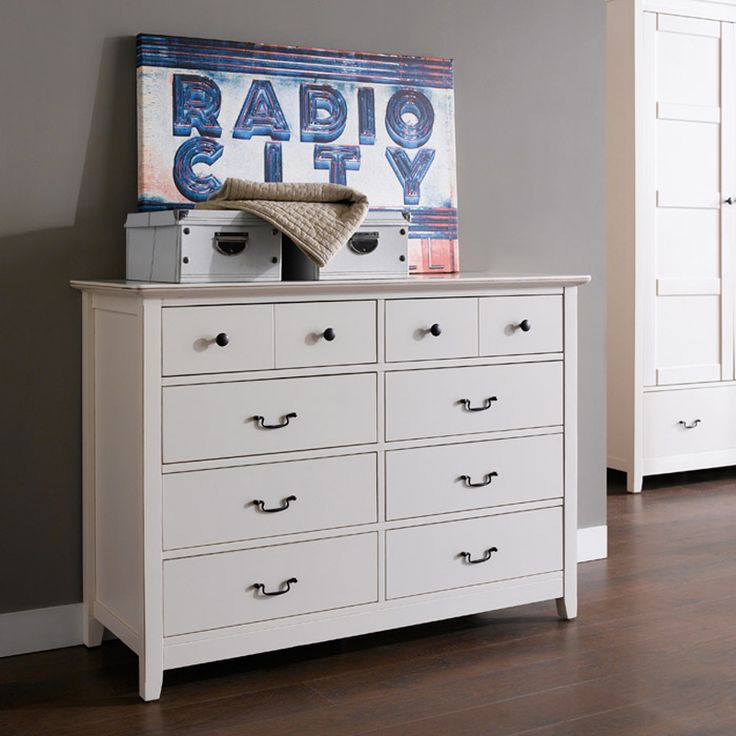 Alyssa Wide Chest of 8 drawers comes in aged effect look. It contemporary style will suitable match with your elegant home interior