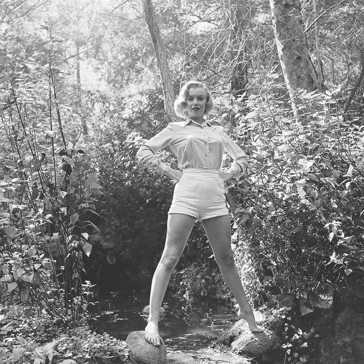 Редкие фотографии Мэрилин Монро в лесу. Фотосессия 1950 года. — Vinegret