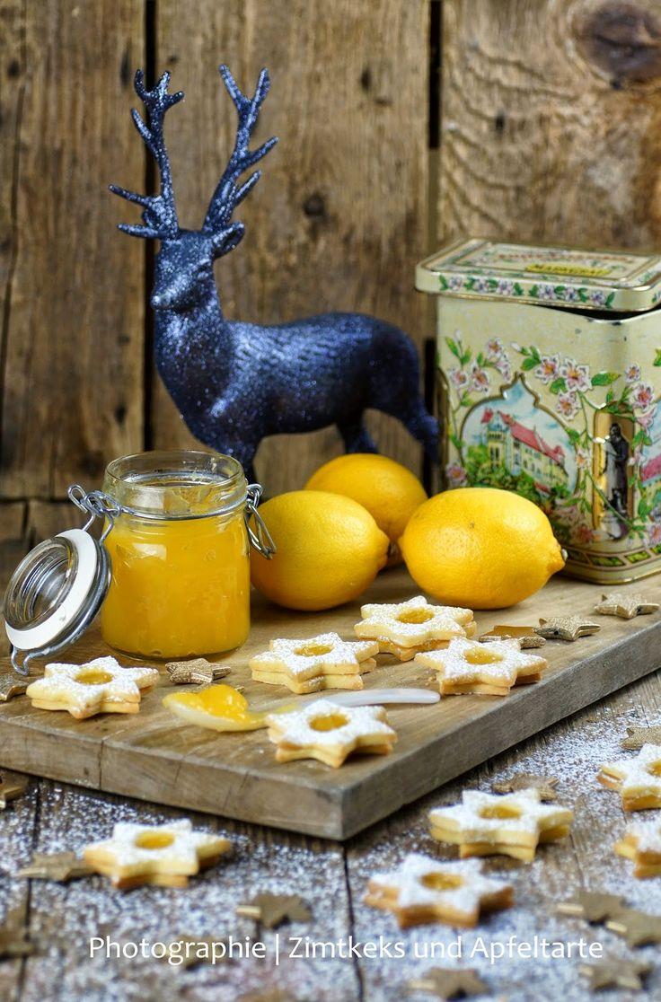 Spitzbuben kennt ja wirklich jedes Kind und sie sind der absolute Plätzchen-Klassiker, aber habt Ihr schon mal Spitzbuben mit Lemon-Curd gemacht?