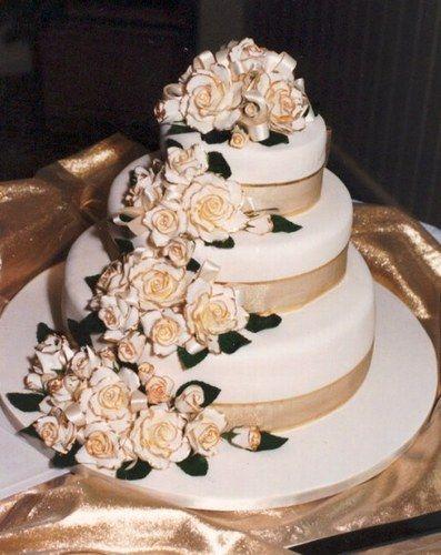 Oltre 25 fantastiche idee su torta a 3 piani su pinterest for Piani domestici di base