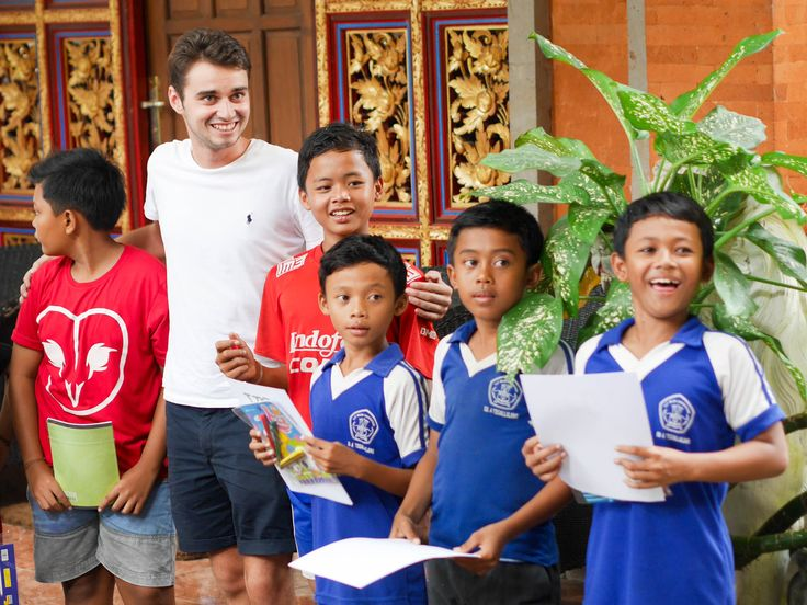 Paul and the boys during the student of the month event last week. #vpbali #studentofthemonth #goodjob #welldone