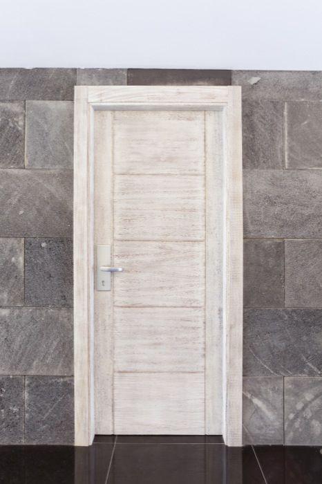 Otra puerta con un diseño diferente.