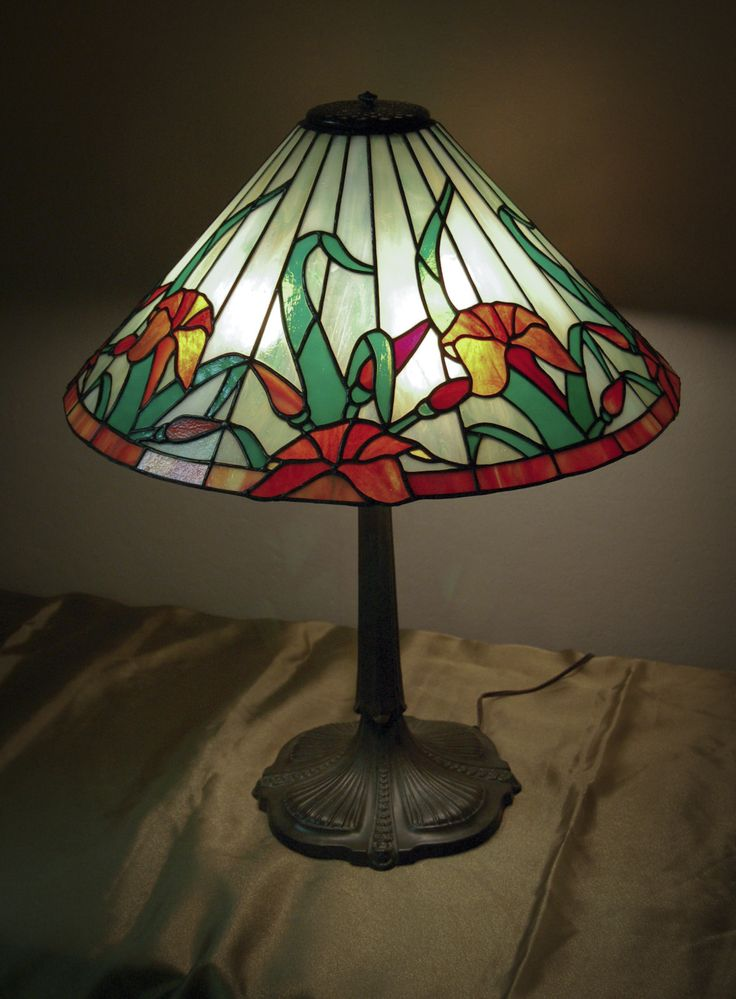 1980 S Stained Glass Lamp : Best images about lamparas en vitral on pinterest