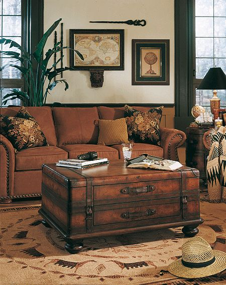 106 best baules arcones images on pinterest suitcases antique chest and old trunks for Storage trunks for living room