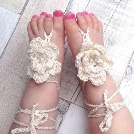 Bambino a piedi nudi sandali sandali all'uncinetto di Suzymadethis