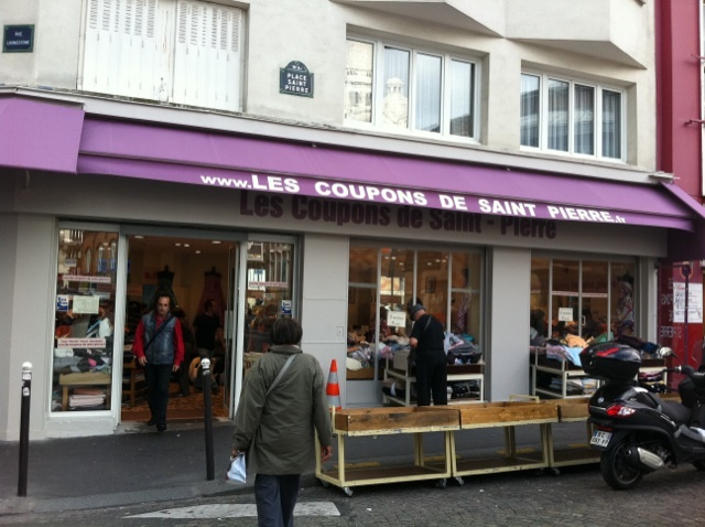 Les Coupons de Saint Pierre fabric store 1 Place Saint-Pierre 75018 Paris