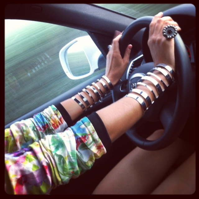 How cute are theses cuffs from blogger Lopez Jenny Lopez and they were only $6 from Forever 21.