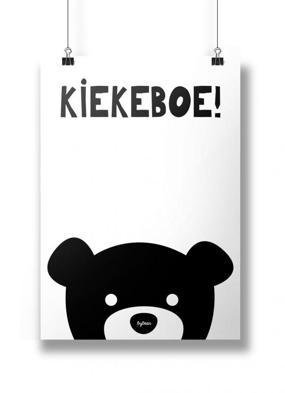 Poster Zwart Wit kiekeboe!Super leuke zwart-wit poster voor op de baby- of kinderkamer!A4 poster met leuke alom bekende tekst!Gedrukt op 250 grams, mat papier.Ontwerp/merk: byBean