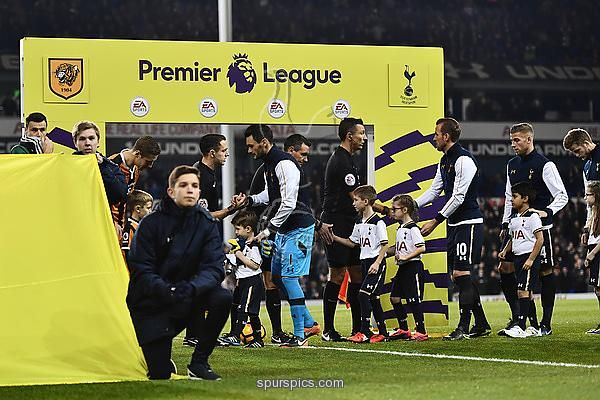 LONDON, ENGLAND - DECEMBER 14: The Hull City and Tottenham Hotspur teams shake hands prior to kick off during the Premier League match between Tottenham Hotspur and Hull City at White Hart Lane on December 14, 2016 in London, England