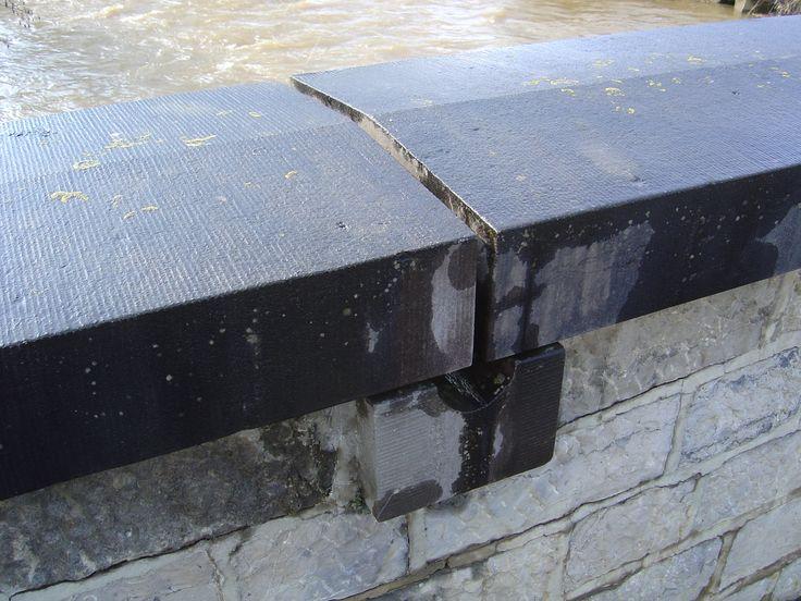 deksteen met regenwateropvang tussen de voegen