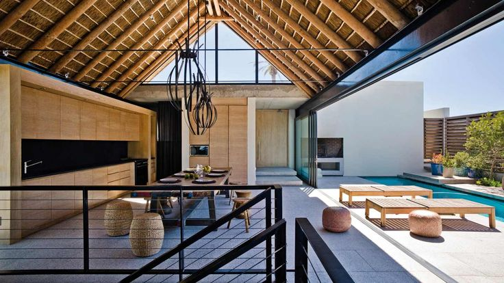 Thatched indoor / outdoor area! Perfect for entertaining!
