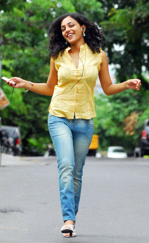 tollywood-actress-nithya-menon-new-photos (6)