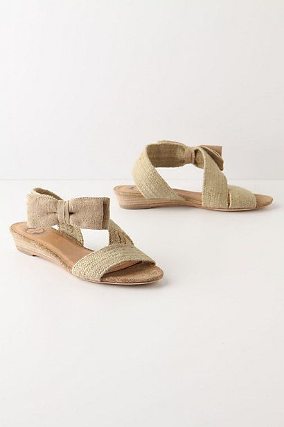 textured bowtie sandals ++ lucky penny: Texture Bowties, Birthday Presents, Cute Bows, Bows Ties, Sandals Shoes, Bowties Sandals, Summer Shoes, Lucky Pennies, Anthropology Texture
