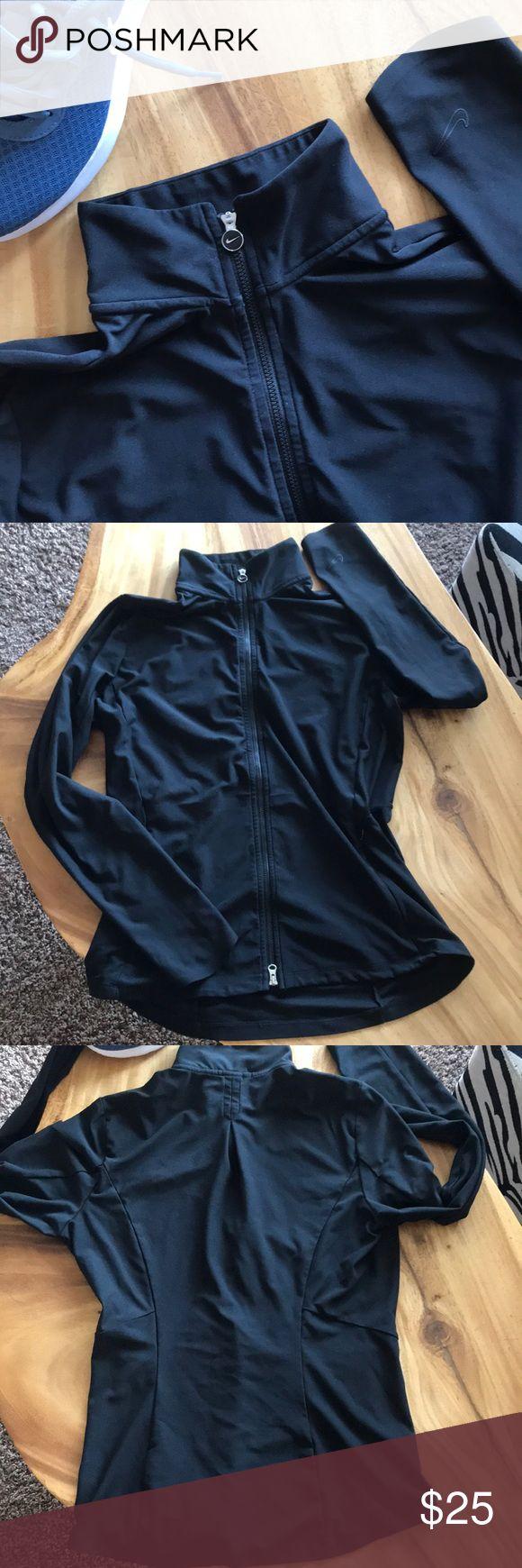 DRI-FIT golf jacket Excellent condition, sleek, full zip jacket by Nike. Nike Jackets & Coats