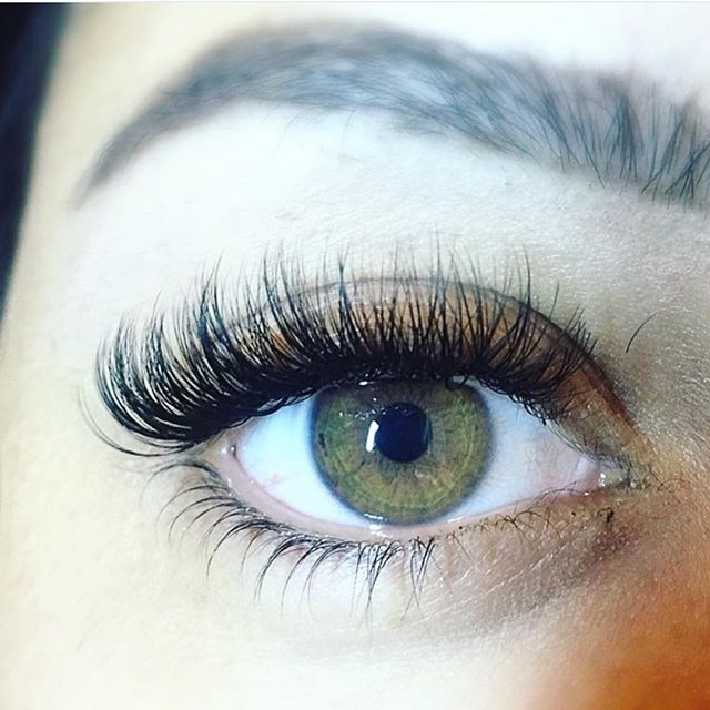 Today's Feature Friday is @lashesbyvanna:  1. What's your favorite Bella Lash product? My favourite Bella Lash product is the Deep Cleanser. Lash hygiene is so important, and this cleanser is great for being gentle yet effective enough to keep those babies clean! I also love that it has natural ingredients like aloe, cucumber and tea extracts!  2. How have lashes changed your life? Love this question  Two of the biggest impacts for me have been all the friends I have gained through meeting…