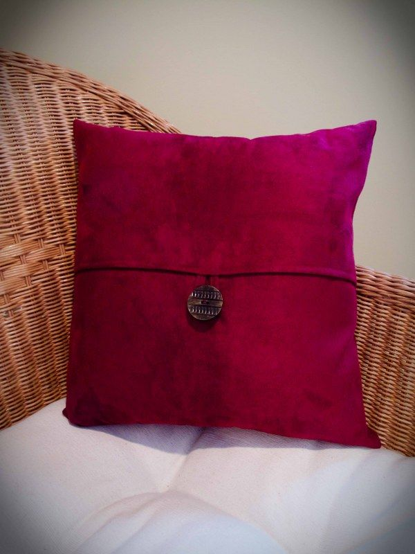 I adore making pillows: Pillows Covers, Pottery Barns Style, Pillows Tutorials, Buttons Pillows, Barns Esqu Buttons, Pillows Slipcovers, Cushions Covers, Pottery Barns Esqu, Diy Pillows