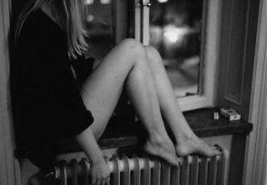 Przyzwyczajanie się do ludzi ... przynosi nie uzasadnioną zaborczość , aby byli... Gdy ich zabraknie choćby na moment... czujesz niepokój .. jakby należeli do Ciebie ... a tak naprawdę nic do nas nie należy prócz naszych odczuć , czasem myśli....