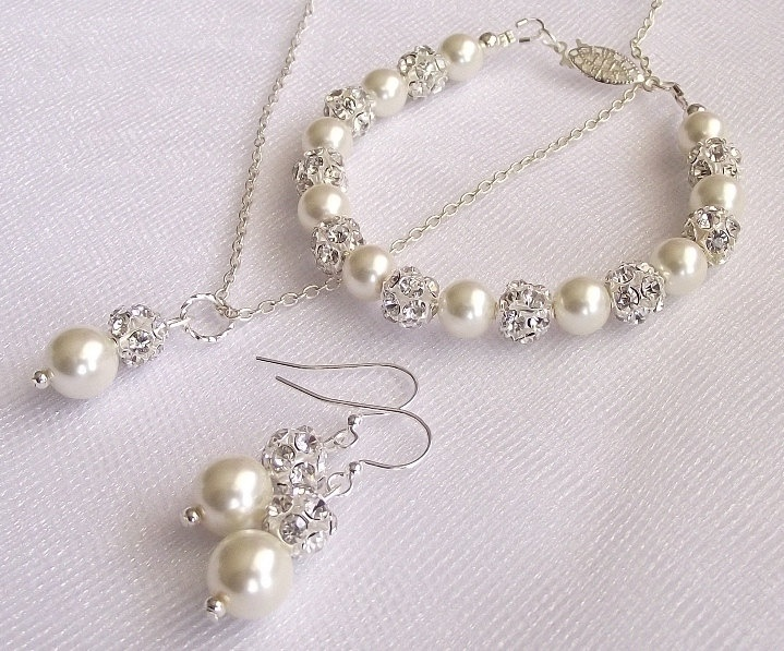 93 best Beautiful Bridal and Bridesmaid Jewelry Sets images on