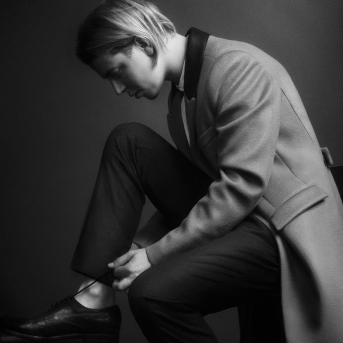 Tom Odell. Grow Old With Me. http://www.vevo.com/watch/tom-odell/grow-old-with-me/GB1101300485?syndicationid=bb8a16ab-1279-4f17-969b-1dba5eb60eda&shortlink=HiI41Q&country=US