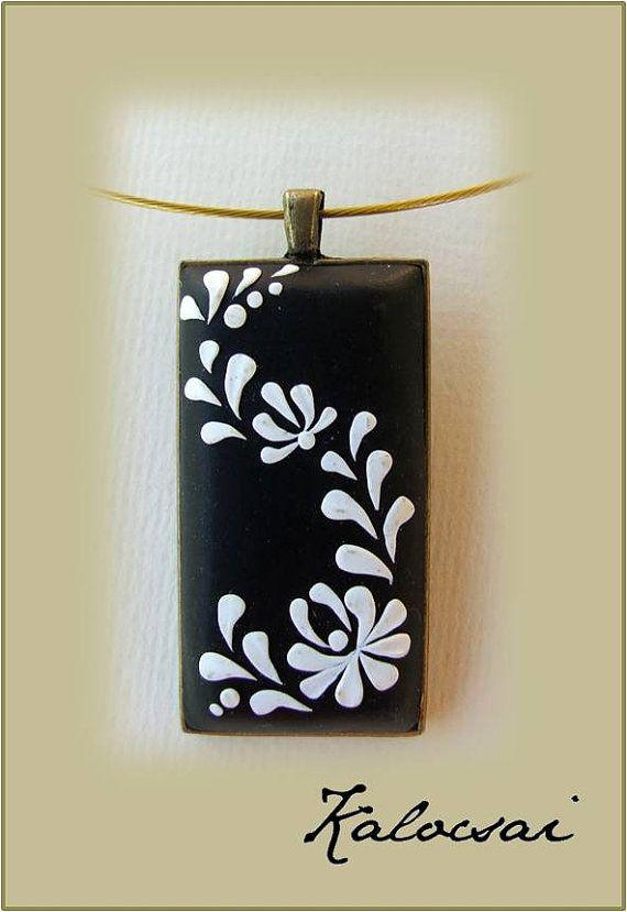 Hungarian folk art pendant, Polimer Clay jewelry, tulip flower motifs