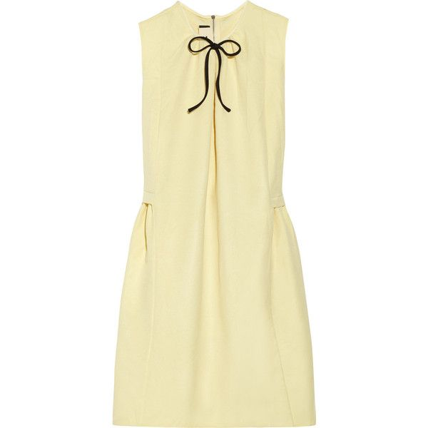 Marni Bow-detailed twill dress (3,935 MXN) ❤ liked on Polyvore featuring dresses, pastel yellow, loose fitting dresses, loose fit dress, zip dress, yellow dress and side ruched dress