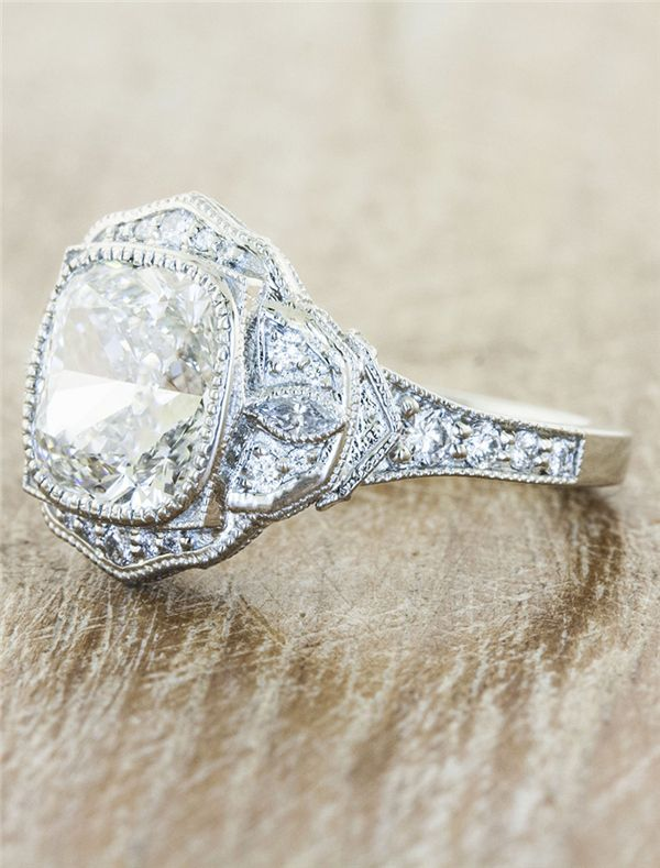 34 Charm Vintage Engagement Rings You Can Say Yes To | http://www.deerpearlflowers.com/34-charm-vintage-engagement-rings-you-can-say-yes-to/