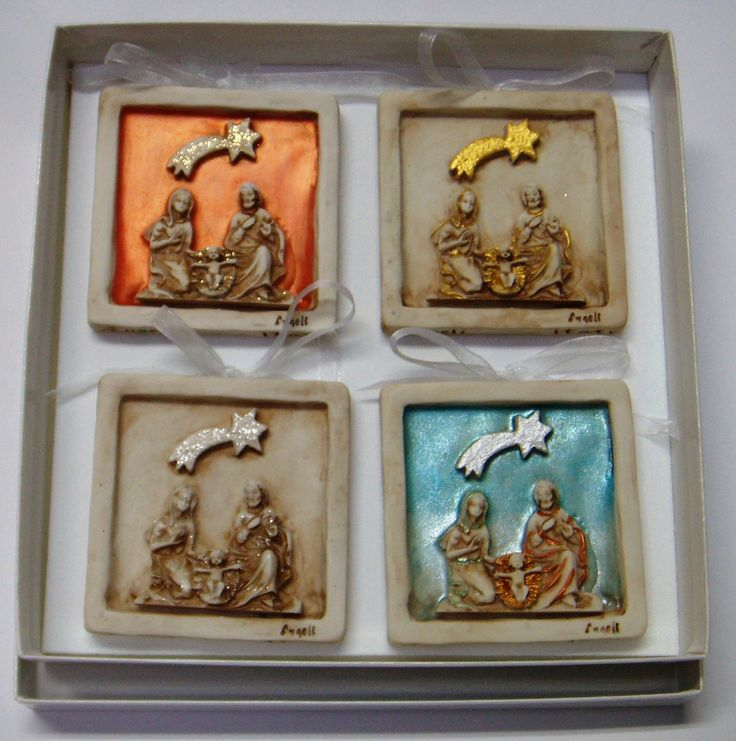 Present Box with 4 Nativity Scene Plaques  Material: Ceramic  Size: 8 cm x 8 cm x 8 cm  100% Handcrafted.  Made in Italy.