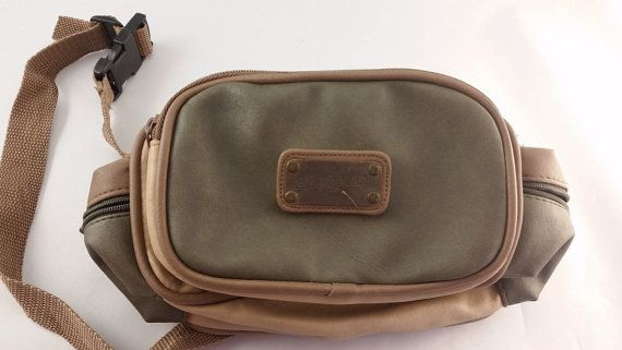 Fannypack EASTSPORT Outdoor Company Green by Stuckinthe80sVintage