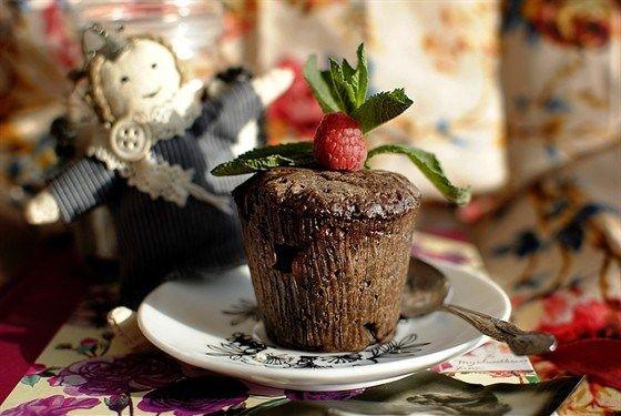 Шоколадно-малиновые маффины #Рецепты #Еда #вкусно #ням #кулинария #вкусняшка #Выпечка #Десерт #сладости #Рецепты_тут #Маффины #muffin