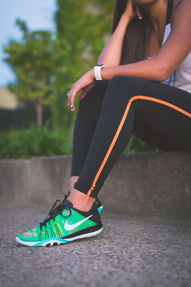 nike running outfit, nike leggings, nike workout gear, nike activewear, nike women leggings, nike women flyknit, nike free rn flyknit women, nike free rn motion women, nike sports bra, cute activewear outfit, cute workout outfit, running routine, girl gains, fitness inspiration, nike fitspo, nike running test shoes, nike free 30 day trial, athleisure, nike athleisure outfit // grace wainwright a southern drawl
