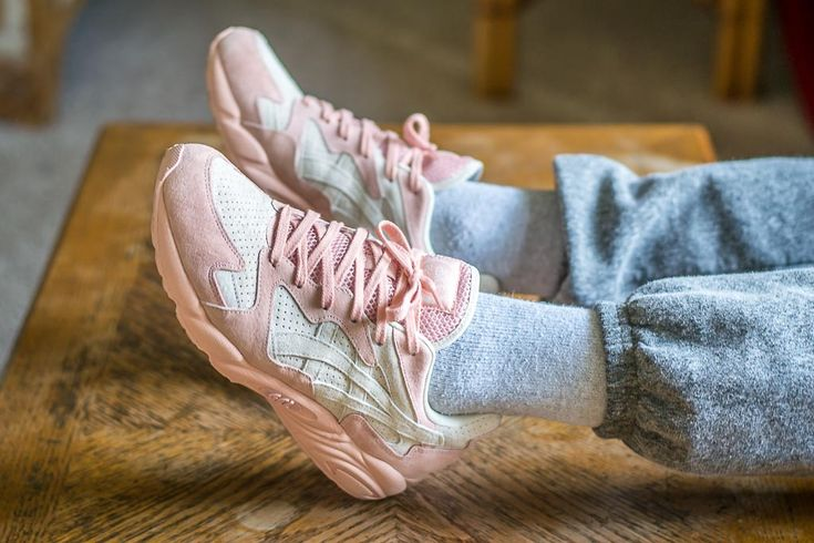 See how the Asics Gel-Diablo Birch looks on feet in this video review before you cop! Find out where to buy these Asics Gel-Diablos online!
