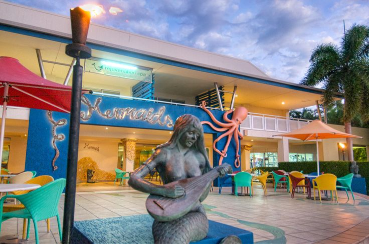#daydreamisland #mermaids #restaurant #tropical #island #whitsundays #cruisewhitsundays #awesomewhitsundays
