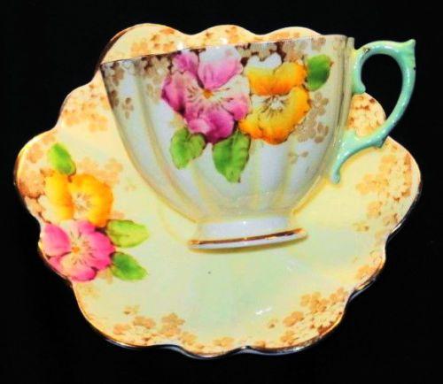 PARAGON-ART-DECO-YELLOW-PINK-GREEN-PANSIES-CREAM-GOLD-TEA-CUP-AND-SAUCER