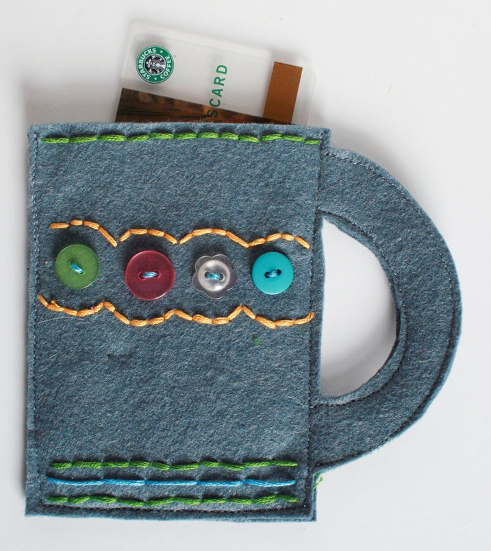 .Cute Gift: Stitch some felt coffee cups to hold a coffee shop gift card! Darling idea: Coffee Shops, Teacher Gifts, Coffee Gifts, Darling Ideas, Gifts Ideas, Coffee Cups, Gifts Cards Holders, Coffee Mugs, Felt Gifts