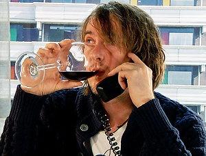 Keuringdienst kijkt weer diep in glaasje. Wijn, Wijnfraude en Diep in het glaasje