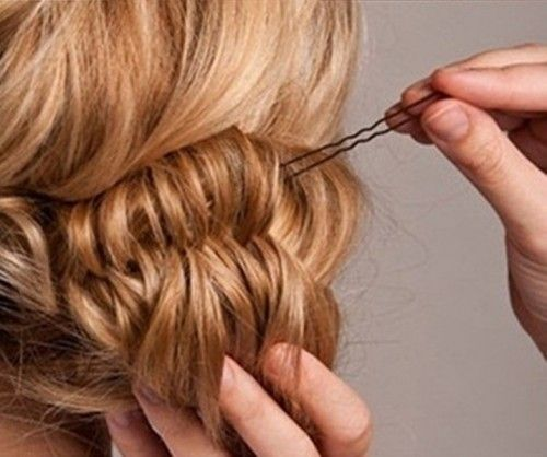 DIY Fishtail Bun Wedding Hair   Weddingomania